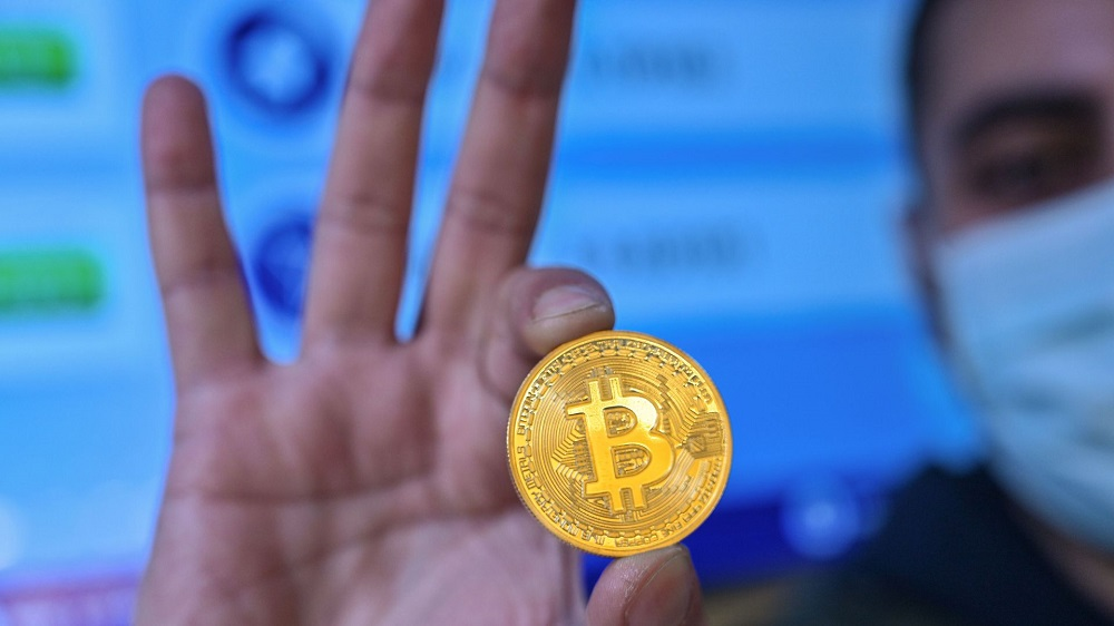 Bitcoin Prices Are Surging Day By Day And Hits $30,000 After The New Year's Eve- Here's Why!